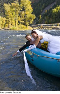 wedding-rafting