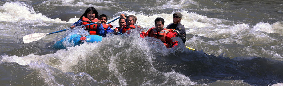 1000-waves-montana-rafting-family