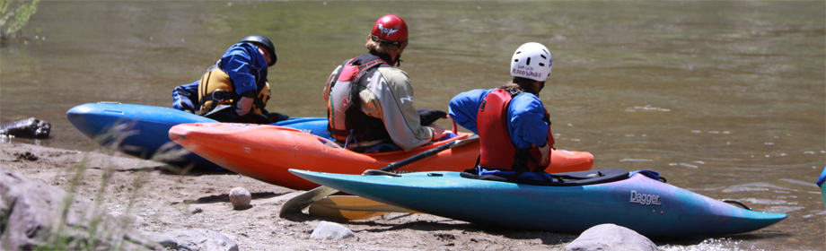 10000-waves-montana-kayak-school-fun